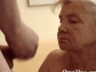 Granny likes sucking dick