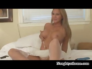 Incontinent MILF mack mamma with a discerning