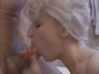 blonde milf whore sucks for facial