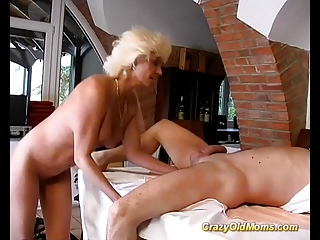 Crazy old mom hard fuck sex and big oral job for