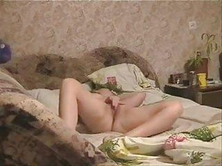 See great cum of milf on bed. Hidden cam