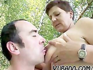 MATURE COUPLE OUTDOOR SEX