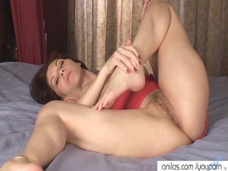 Busty mom fucks her hairy cunt
