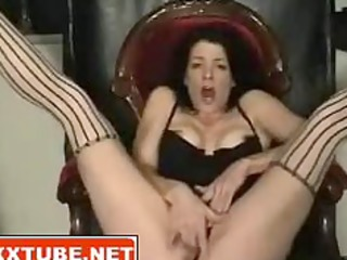BRUNETTE MILF SQUIRTS PUSSY JUICE