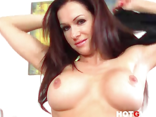 Pornstar MILF Stacy Silver wants you to Cum with