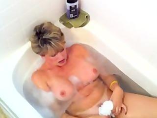 Bath Tub Cum Swallow