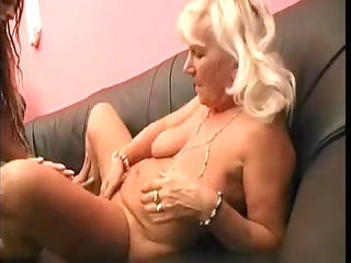 granny likes younger cunt