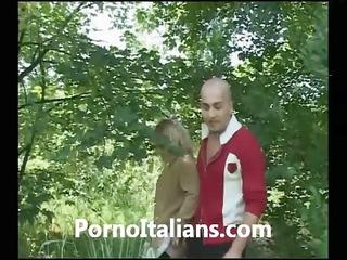 Bionda italiana matura troia - porno italiano -