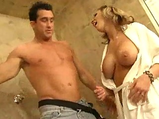 Milf with Big Tits Loves An OldFashioned Bathroom