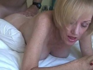 MILF Melanie gets creamed!