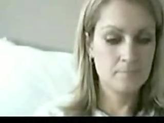 Webcam Mum Gets Naked