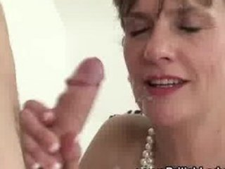 Slutty mature Lady Sonia gets a cumshot