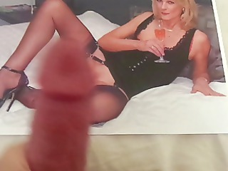 Tribute to a Hot MILF with Sexy Nylon Legs